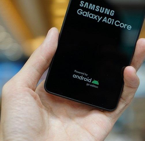 Samsung A01 Core có thiết kế đẹp mắt